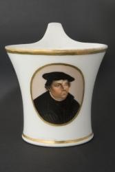 Königliche Porzellanmanufaktur Berlin - Porzellantasse mit Bildnis Luthers