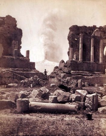 Taormina, Teatro greco e eruzione di fumo dell'Etna, Giovanni Crupi, 18. Mai 1886