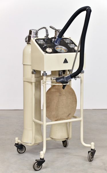 Lachgas-Narkoseapparat Modell D