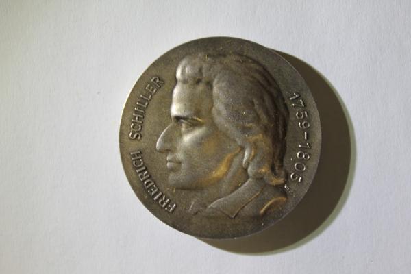 Ehrenmedaille mit Profil von F. Schiller in Silber