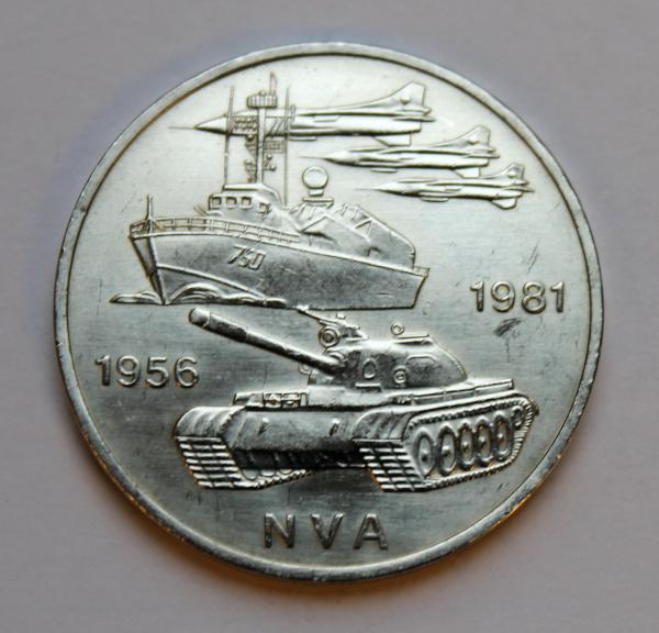 10-Mark-Stück anlässlich 25 Jahre Nationale Volksarmee (NVA) der DDR