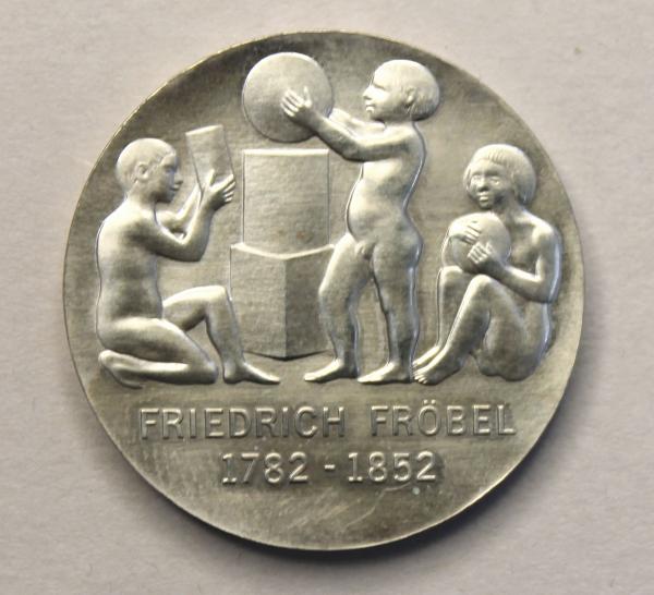 5-Mark-Stück zum 200. Geburtstag von Friedrich Wilhelm August Fröbel