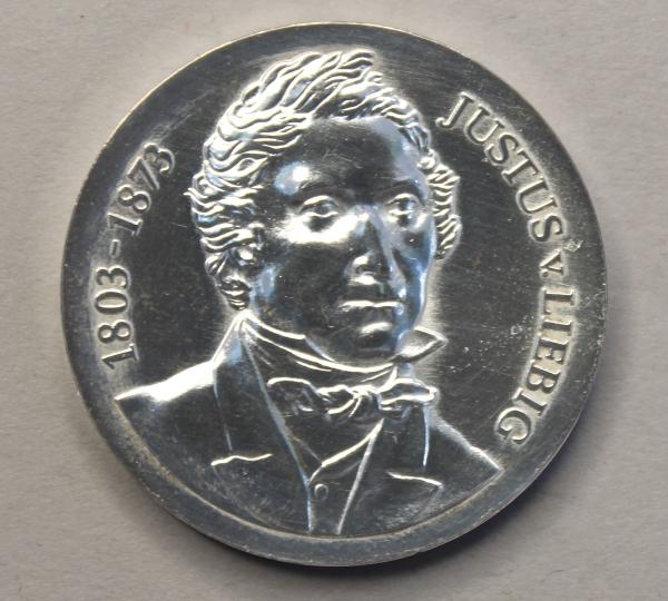 10-Mark-Stück zum 175. Geburtstag Justus von Liebigs
